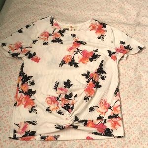 Tops - Floral Top with a Tie Knot